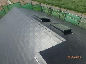 棟板金取り付け完了後の屋根