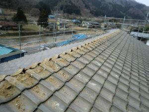 太陽光パネルと棟瓦を撤去した屋根