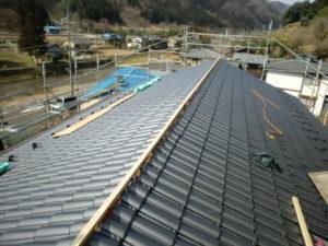 平瓦葺き後の屋根