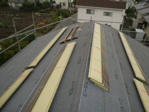 必要な材料を荷揚げし段取りしといた屋根の上