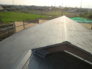 ガルバリウム鋼板に葺き替えが終わった後の屋根