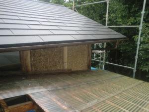 ガルバリウム鋼板に葺き替えた後の屋根