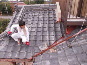 屋根の状態を遠くから見た時の写真