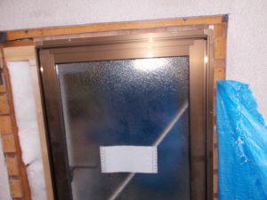 窓枠の状態