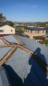 棟板金全撤去した屋根