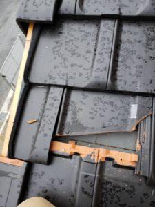 ケラバ瓦を外した屋根