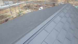 ガルバリウム鋼板張り完工した屋根