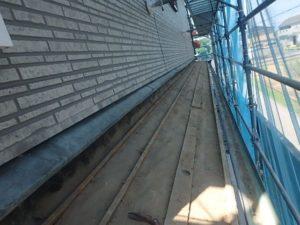 既存瓦撤去を終えた屋根