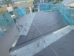 ガルバリウム鋼板張り中の屋根