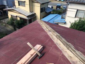 棟包み板金の取れてしまった屋根