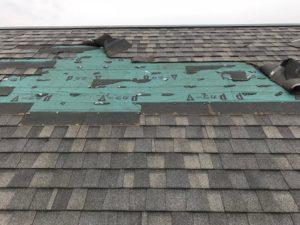 大きく剝がれてしまった屋根