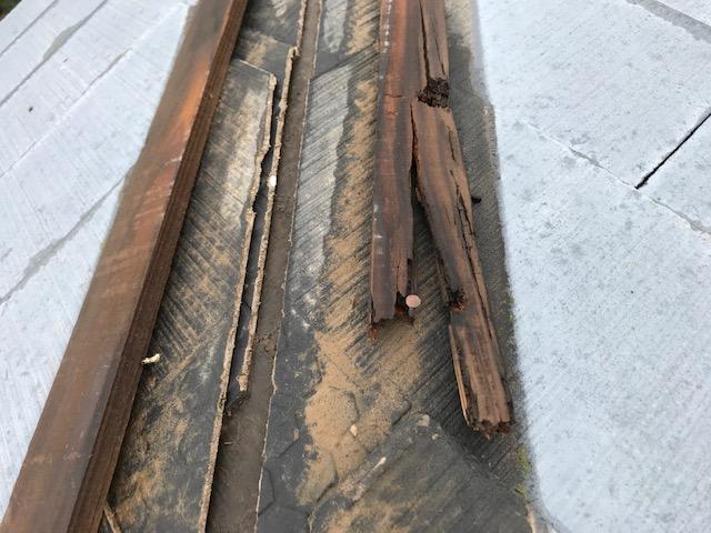 屋根の腐ってしまった下地