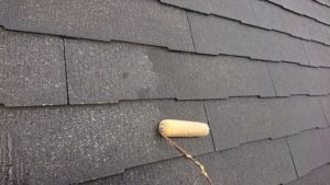 屋根下塗り中