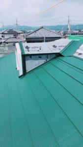 ドーマー廻り金属屋根材上張り