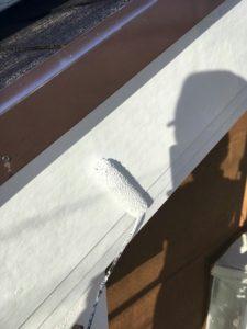 塗装中の破風板