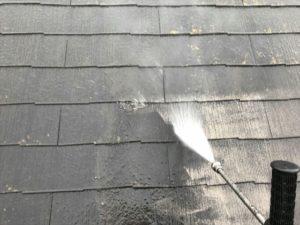 洗浄中の屋根