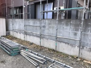 外壁塗装工事現場