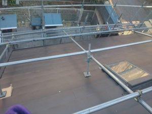 屋根東面平葺き完了
