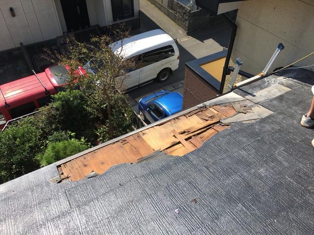 施工前コロニアル葺き屋根