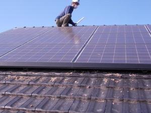 太陽光パネル下の掃除