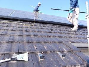 屋根上の掃除