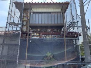 施工中の現場の東面
