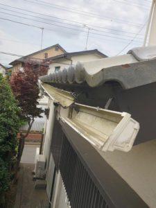 雪被害を受けた軒樋
