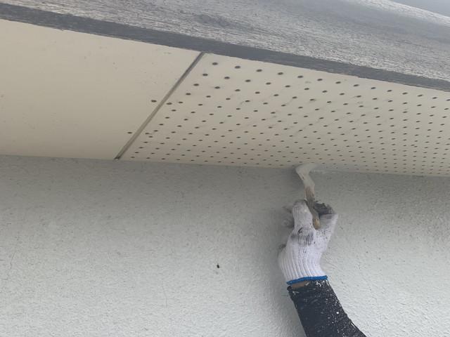 軒天井刷毛拾い