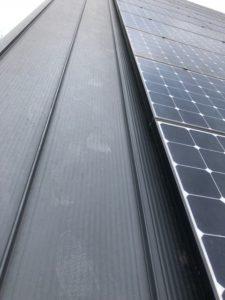 屋根 太陽光パネル 隙間