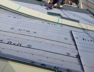 屋根 カバー工法工事 屋根材施工