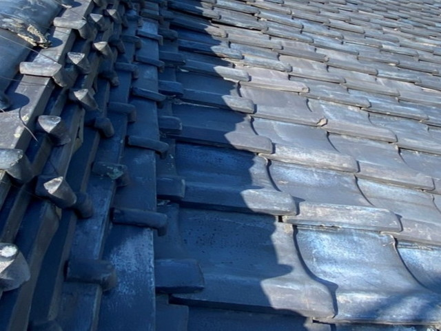 瓦屋根の現場調査