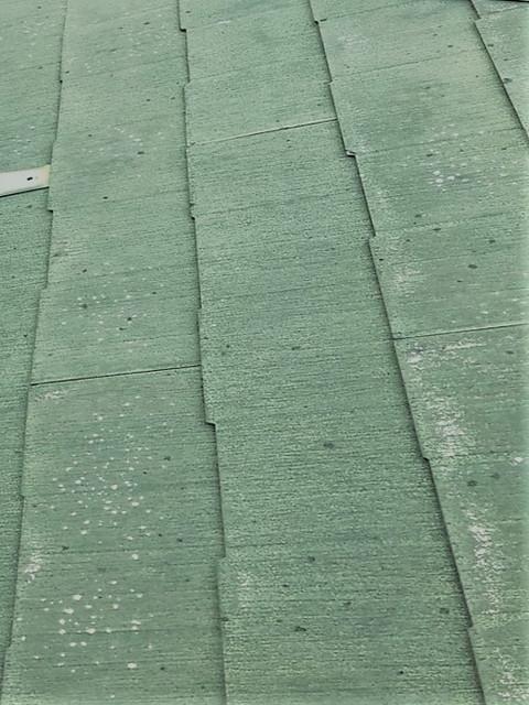 剥がれている屋根