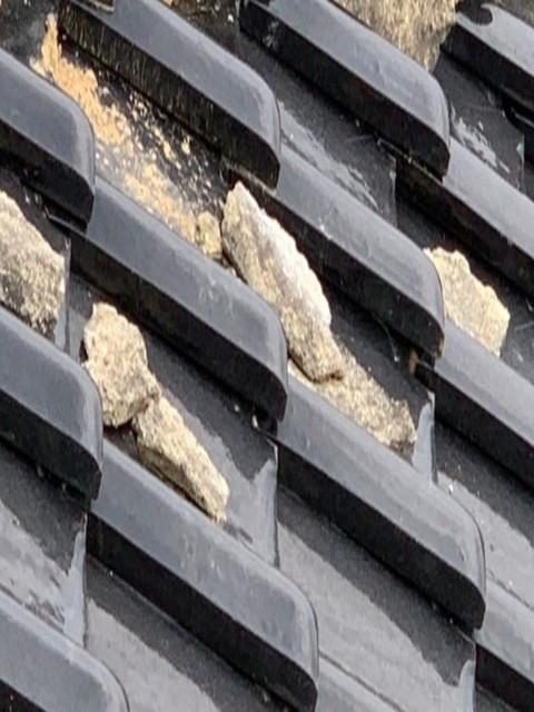 屋根の漆喰壊れる