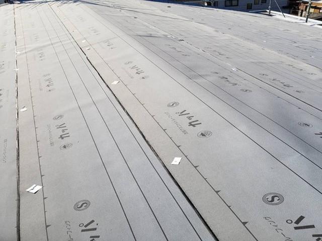 屋根カバー工法工事 ルーフィング施工