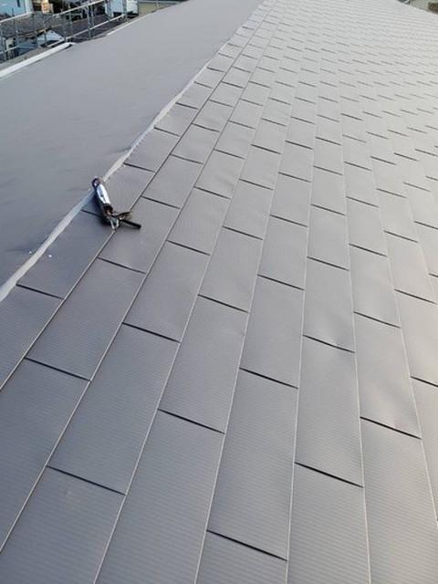 屋根カバー工法工事 屋根材施工