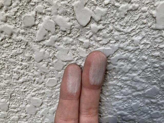 現地調査 外壁 モルタル 劣化 チョーキング