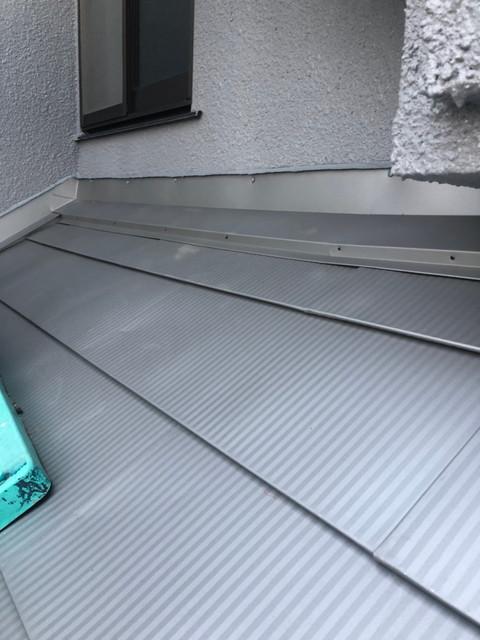 屋根カバー工法 雨押え