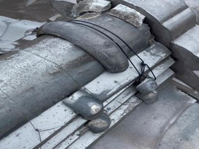 屋根 棟 漆喰 剥がれ 和瓦 劣化