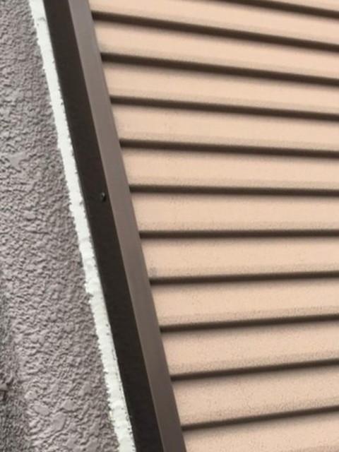 窓枠から雨漏り