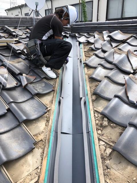 雨漏り工事 雨漏り修理 谷板金工事